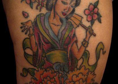 tattoo-geisha-y-flores