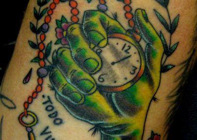 tattoo-mano-reloj